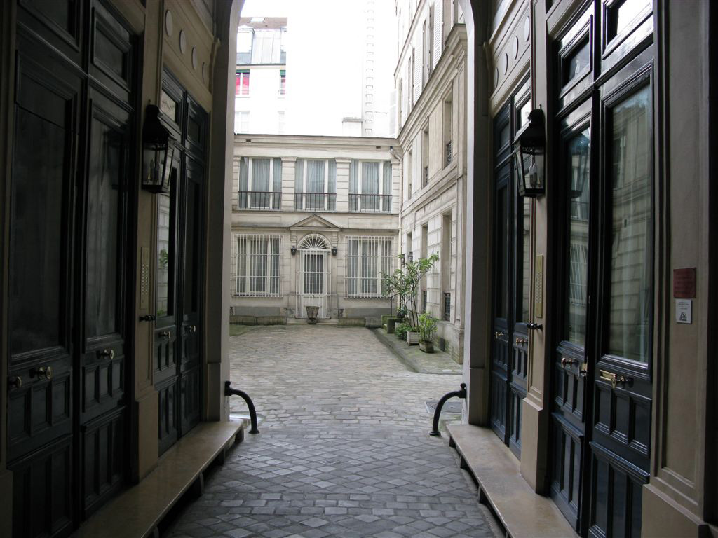 Paris St Sulpice Rental Apartment