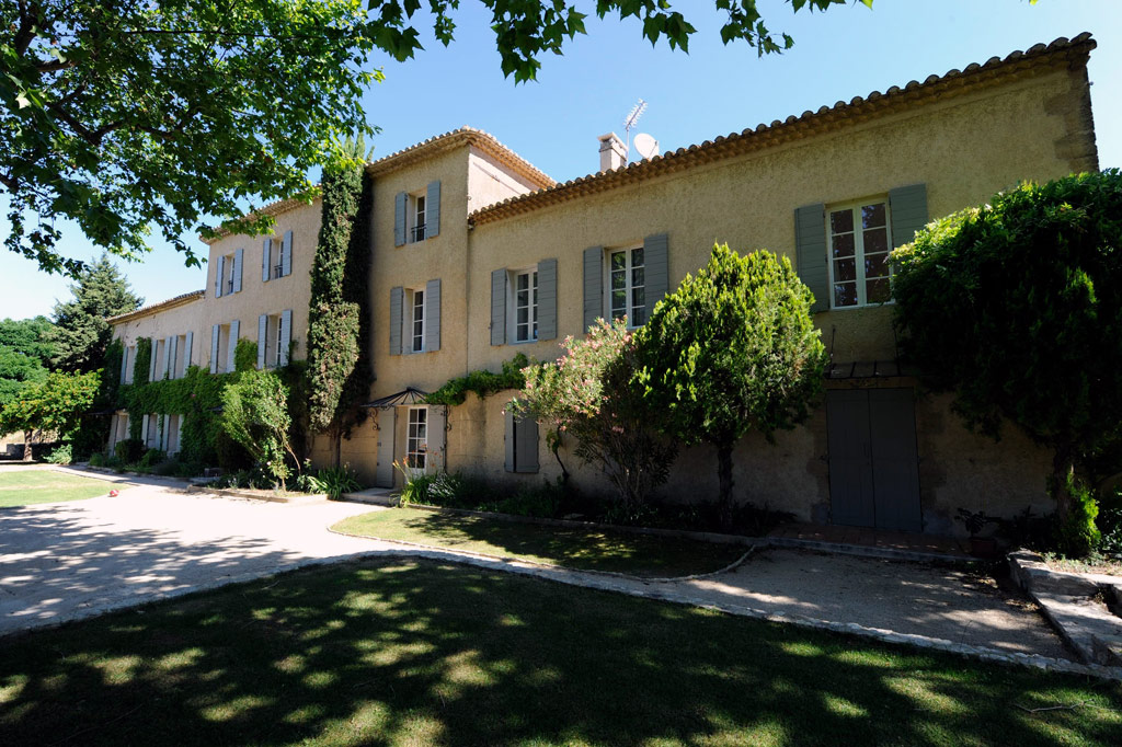 Ferme valmousse rental house in provence for Provence homes
